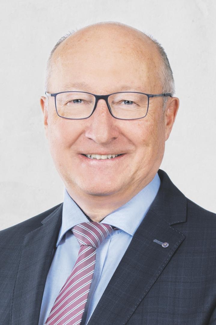 Führungserfahrung - Walter Locher unterstützt Beat Tinner